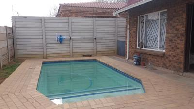 Property For Sale in Minnebronne, Brakpan