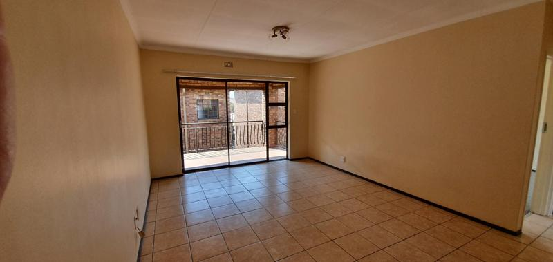 Property For Sale in Sonneveld, Brakpan 4