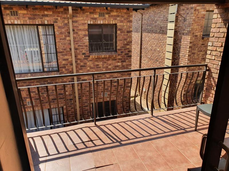 Property For Sale in Sonneveld, Brakpan 11